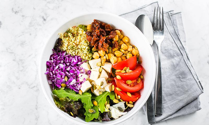 Couverts à salade : joindre l'utile à l'agréable